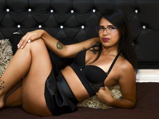ValerieCalero Live